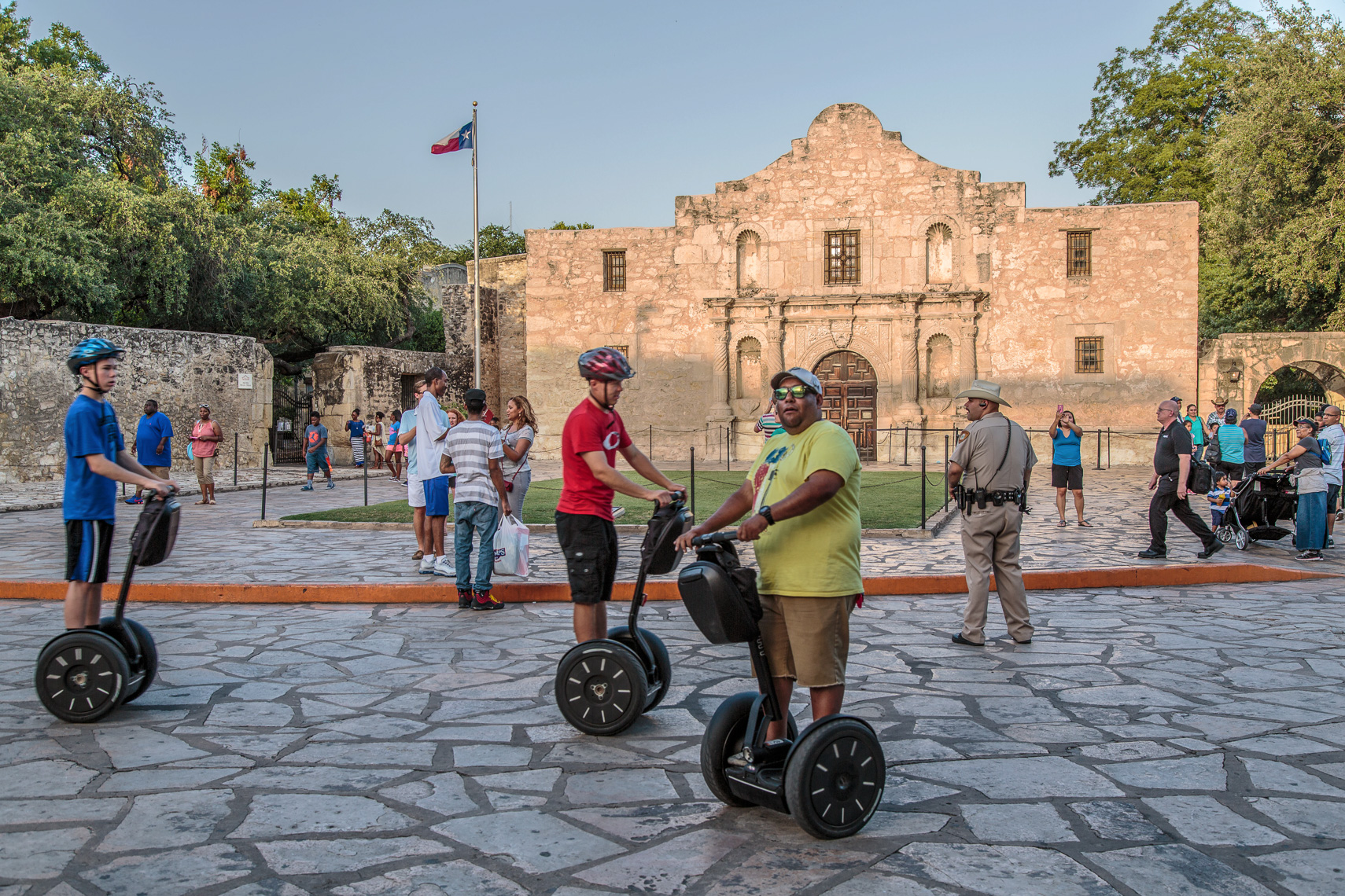 1039Segways attack The Alamo, San Antonio