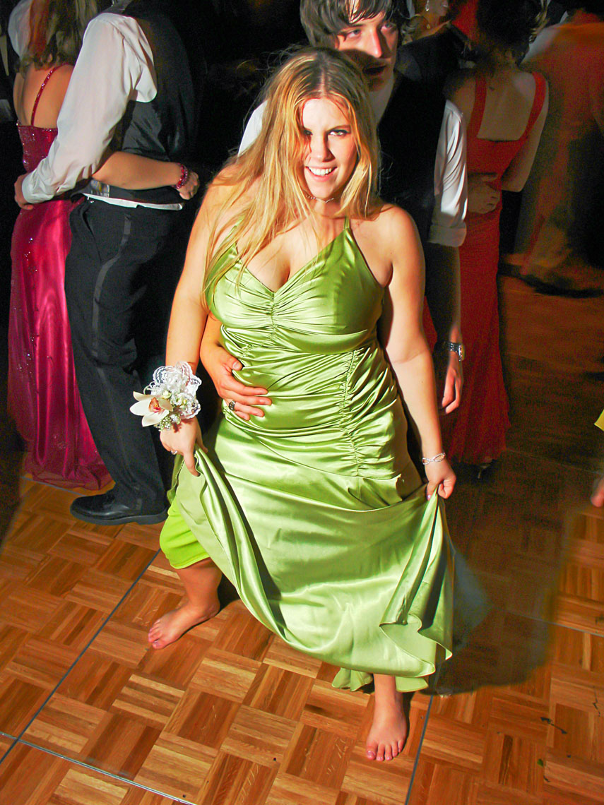 1171Greeen Dress at the High School prom